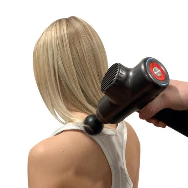 Massasjepistol fra komfortens verden - massasje på høyt nivå for idrettsutøvere eller veldig sår arme